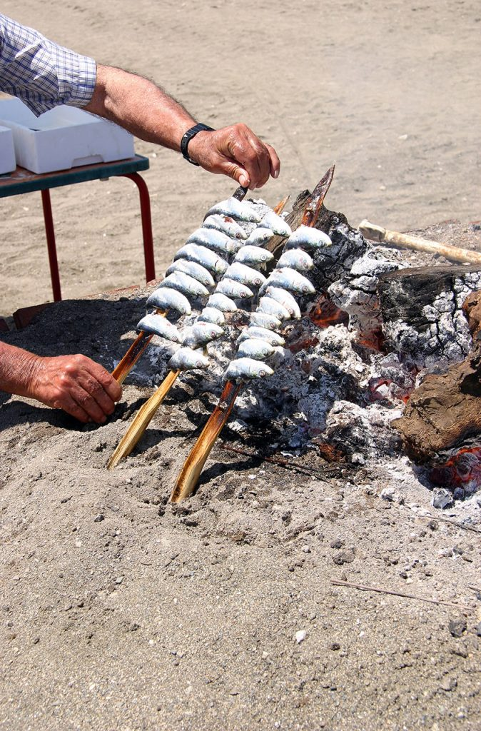 Espetos de sardinas foto de venta en Internet